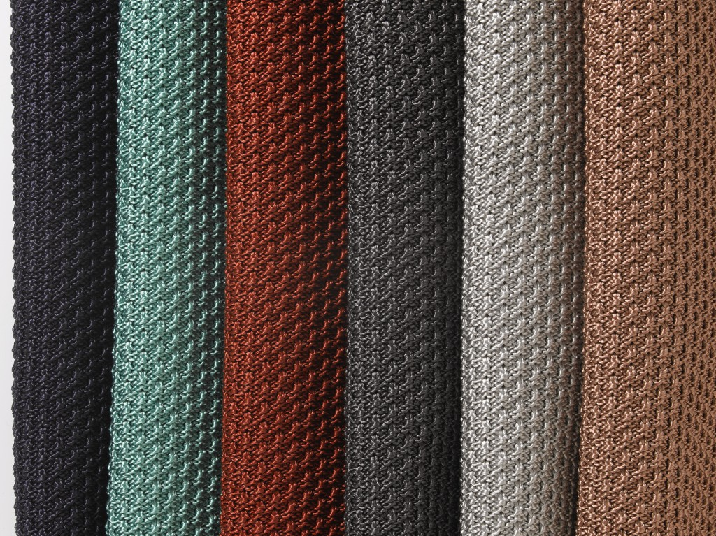 Knitted outdoor fabric in 100 polypropylene for Fabrics and materials